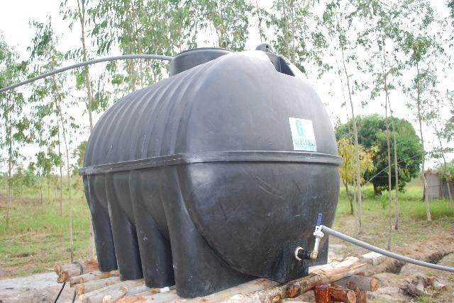 Baterias y amperios deposito de agua solar bomba